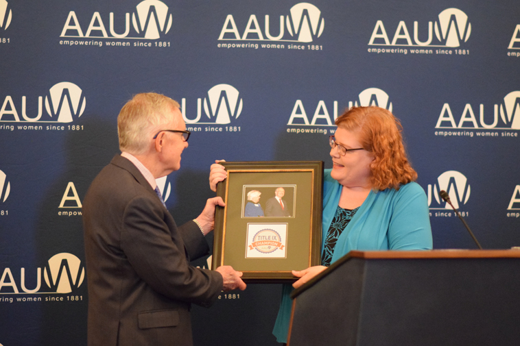 AAUW Vice President of Government Relations Lisa Maatz and Democratic Leader Harry Reid (D-NV) at the 2016 AAUW Title IX Champion award ceremony.